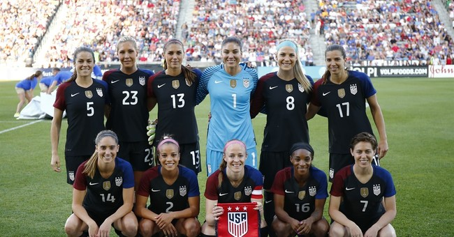 Judge: US women's soccer team has no right to strike
